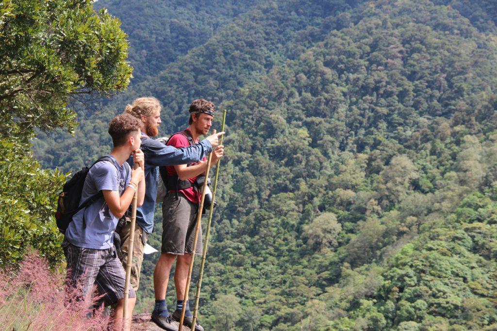 Hiking-trail-vulture-rock-mt-chirripo